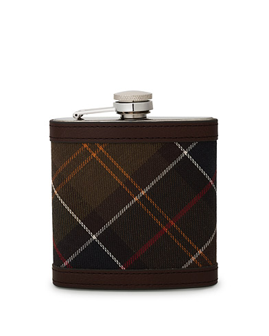 Barbour Lifestyle Classic Hip Flask Brown  ryhmässä Asusteet @ Care of Carl (10050710)