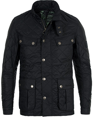 Barbour International Ariel Quilted Jacket Black ryhmässä Vaatteet / Takit / Tikkitakit @ Care of Carl (10074111r)