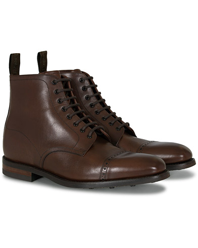 Loake 1880 Hyde Boot Dark Brown ryhmässä Kengät / Nilkkurit @ Care of Carl (11235011r)