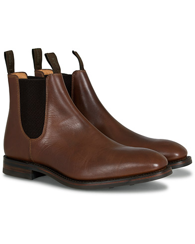 Loake 1880 Chatsworth Chelsea Boot Brown Waxy Leather ryhmässä Kengät / Nilkkurit / Chelsea nilkkurit @ Care of Carl (13248111r)