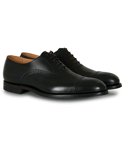 Crockett & Jones Hatton Brogue City Sole Black Calf ryhmässä Kengät / Brogue-kengät @ Care of Carl (15348511r)