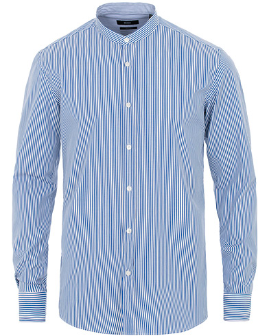 BOSS Jorris Slim Fit Grandad Collar Shirt White/Blue ryhmässä Vaatteet / Kauluspaidat / Rennot @ Care of Carl (16030911r)