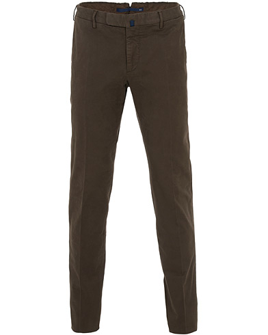 Incotex Slim Fit Comfort Chino Dark Brown ryhmässä Vaatteet / Housut / Chinot @ Care of Carl (16283211r)