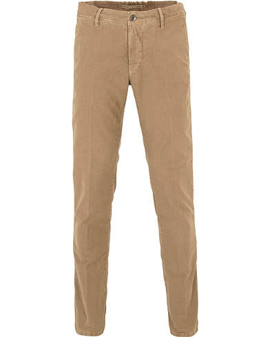 Incotex Slim Fit Garment Dyed Washed Slacks Khaki ryhmässä Vaatteet / Housut / Chinot @ Care of Carl (16283911r)