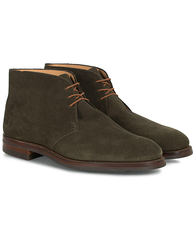 Crockett & Jones Chiltern Dainite Chukka Boot Green Suede ryhmässä Kengät / Nilkkurit @ Care of Carl (16563111r)