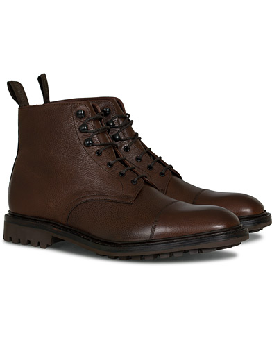 Loake 1880 Sedbergh Derby Boot Brown Grain Calf ryhmässä Kengät / Nilkkurit @ Care of Carl (16564311r)