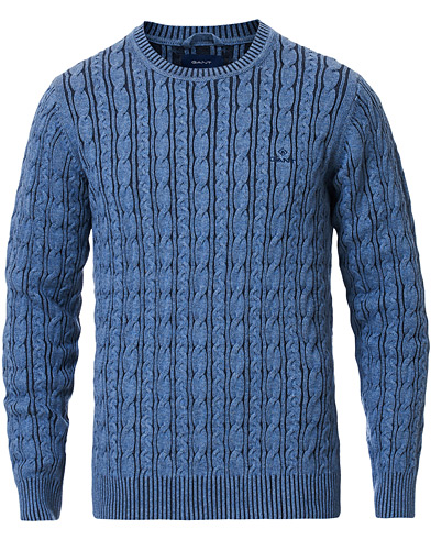 GANT Sunbleached Crew Neck Cable Pullover Insignia Blue ryhmässä Vaatteet / Puserot / Neuleet @ Care of Carl (16865011r)