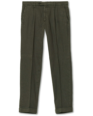 Briglia 1949 Easy Fit Pleated Linen/Cotton Chino Green ryhmässä Vaatteet / Housut / Chinot @ Care of Carl (16974111r)