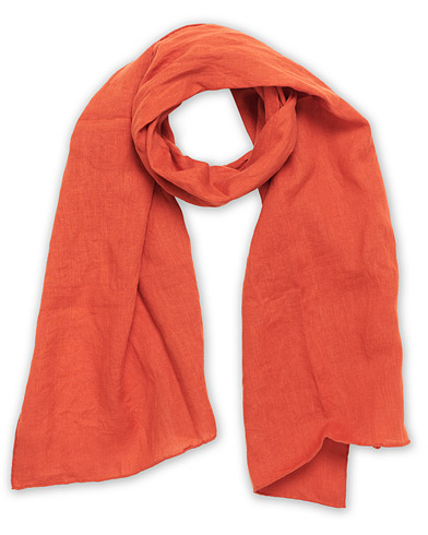 Drake's Solid Linen Scarf Orange  ryhmässä Asusteet / Huivit @ Care of Carl (16991910)